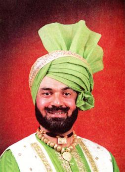 man_wearing_stylized_turban